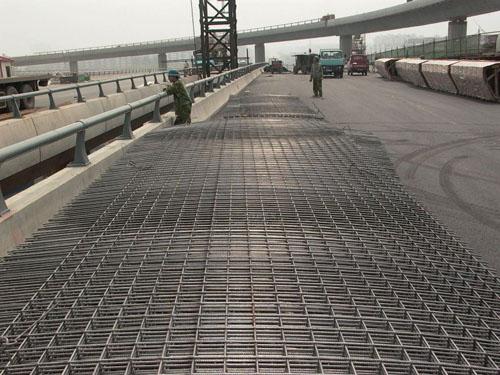 建筑网片用在桥梁建设
